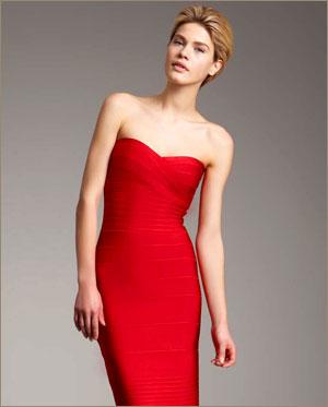 Это платье представляет собой в