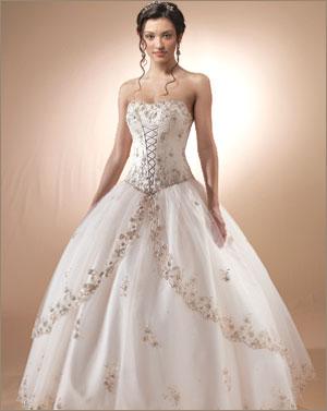 Новые свадебные платья 2011 года просто